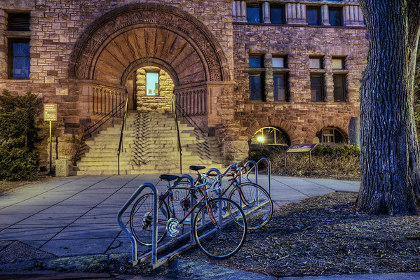 Campus Transportation in front of Pillsbury Hall