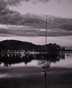 The calm of the Hudson Marina before sunrise