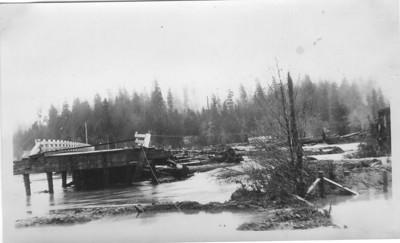 The flood of January 1934 swept away the Mohler bridge.