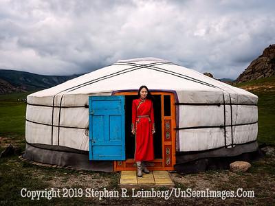 Mongolian Beauty Copyright 2019 Steve Leimberg UnSeenImages Com _DSF0514