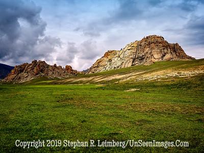 Mountains Near Horse Farm Copyright 2019 Steve Leimberg UnSeenImages Com _DSF1031