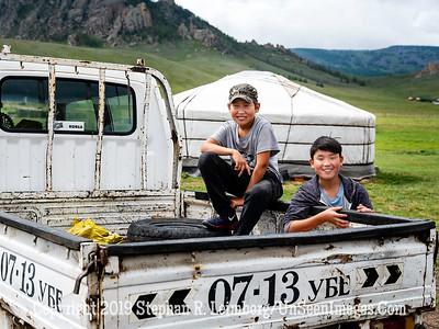 Boys at Horse Farm Copyright 2019 Steve Leimberg UnSeenImages Com _DSF1010