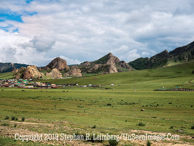 Mountainside Town Copyright 2019 Steve Leimberg UnSeenImages Com _DSF1113