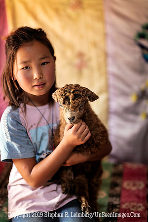 Mongolian Girl with Lamb Copyright 2019 Steve Leimberg UnSeenImages Com _Z2A4225