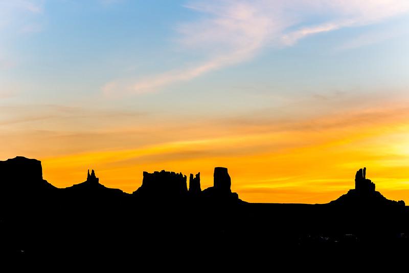 Sunrise in Monument Valley, Utah/Arizona