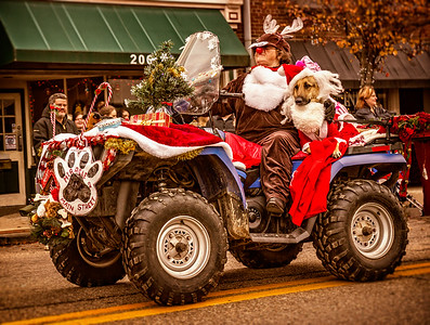 Photographed during 2015 Christmas Parade in downtown Mount Vernon, Ohio on November 29, 2015. Photographed by Joe Frazee.