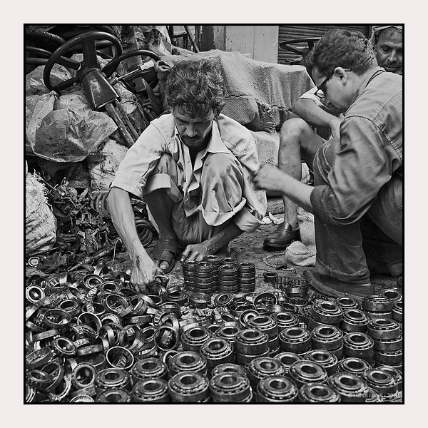 Ball bearings, Chor Bazar