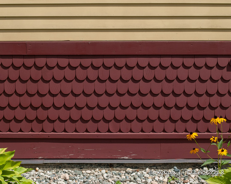 Decorative details around the bottom of the outside of the depot