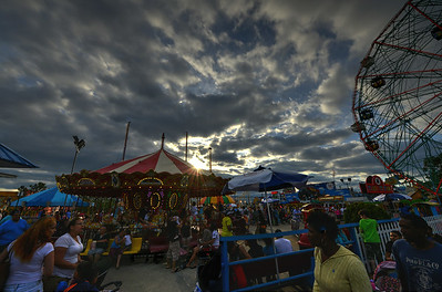 Deno's Wonder Wheel kids' park