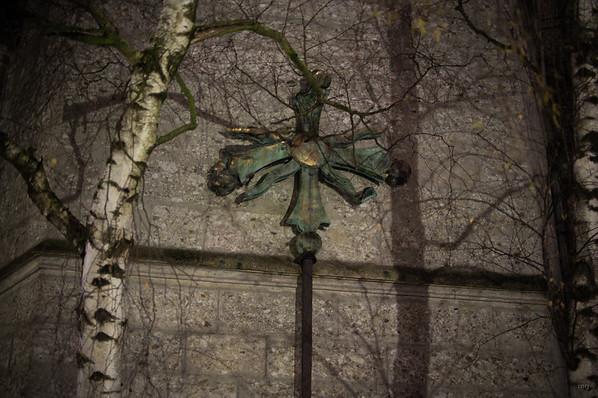 Das beim Turmbrand beschädigte Kreuz