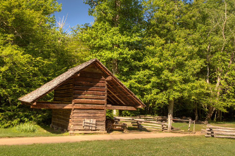 Corn crib at Gregg-Cable house in Cades Cove