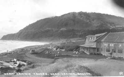 In the early years, and until the 1950s, there was ample space on the dune for a road in front of the tavern.