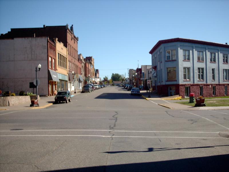 <b>East Iron Street</b> - Downtown Negaunee