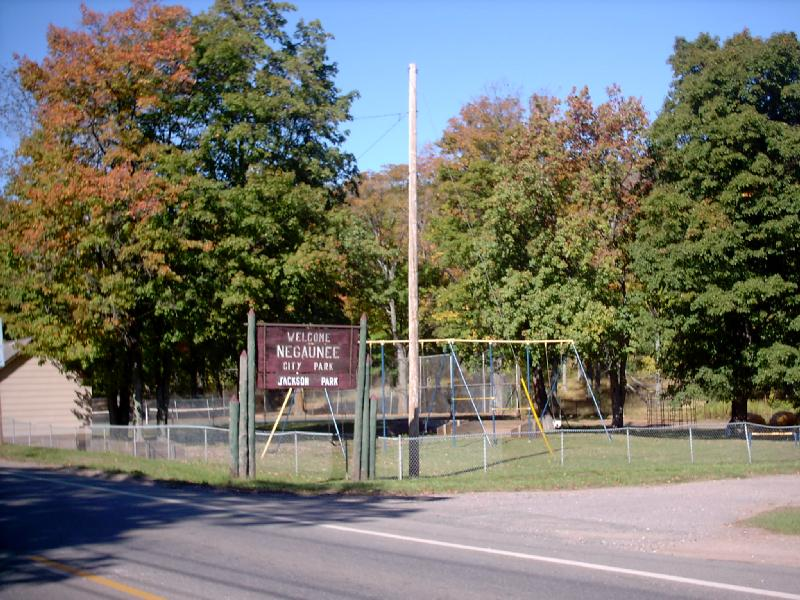 <b>Jackson Park</b> - One of the nicer parks in town.