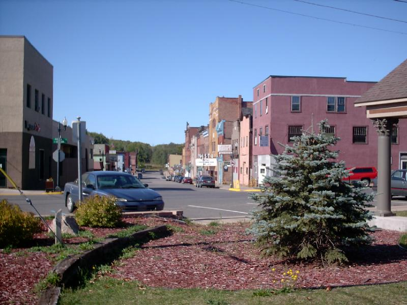 <b>Iron Street</b> - Looking down Iron Street from the bandshell park.