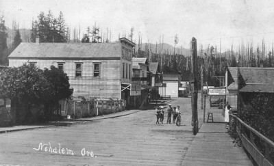 Main street looking north about 1915.