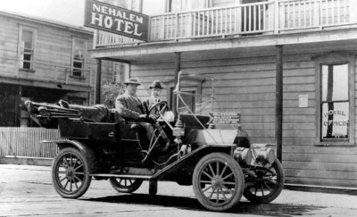 Early in the 20th century, the automobile began to transform the local economy.