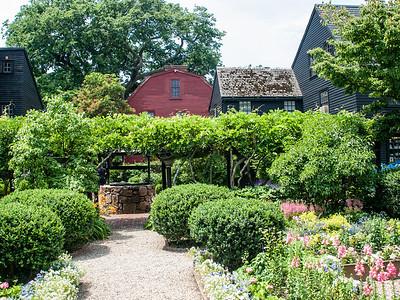 Seven Gables Garden