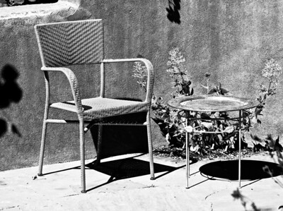 Chair and table B&W