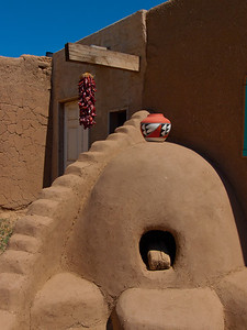 Pueblo kiln and pot
