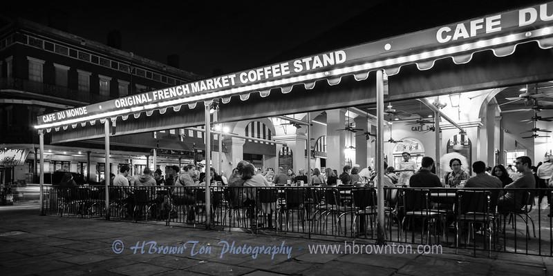 Cafe Night Life