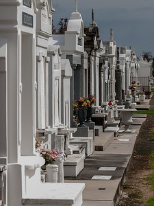 St Louis Cemetery No 3 - 5