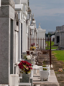 St Louis Cemetery No 3 - 2