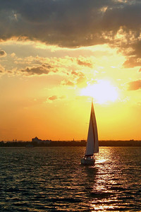 A sailboat in the Hudson-