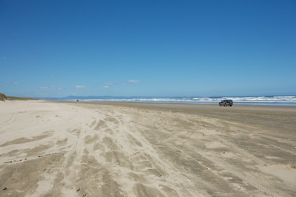 90 mile beach is a highway during low tide.