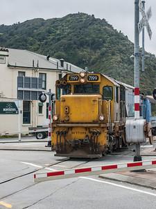 TranzAlpine Arrives in Greymouth