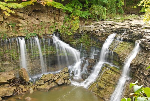 Ball's Falls, near Jordan, Ontario. Nikon D80, Nikkor 18-200 mm lens, handheld