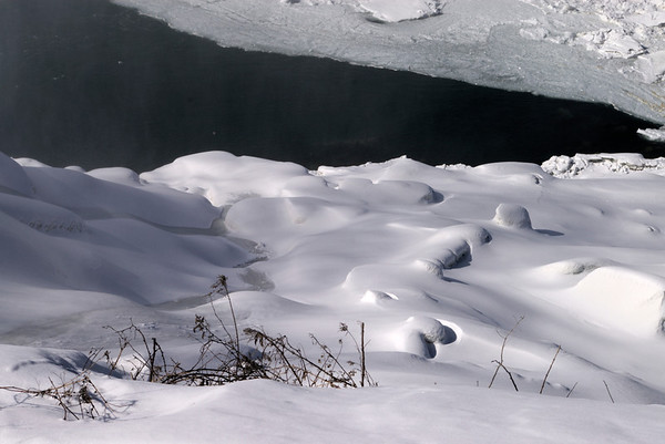 David Nace, Niagara Falls with Betsy, winter 2010