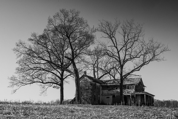 An abandoned farmhouse in Nokesville.  The farm that surrounds it is still a working farm.