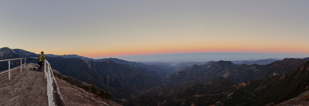 Dawn at Moro Rock, Sequoia National Park