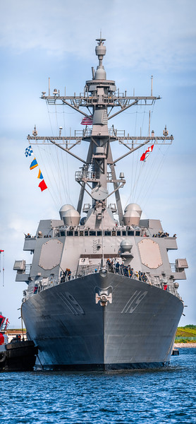 406.3 megapixel panorama of the USS Delbert D. Black (Arleigh Burke-class destroyer)