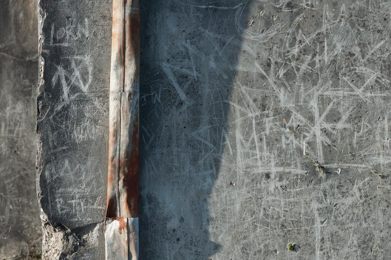 Graffiti, No. 5 shaft, Waihi, 2014.