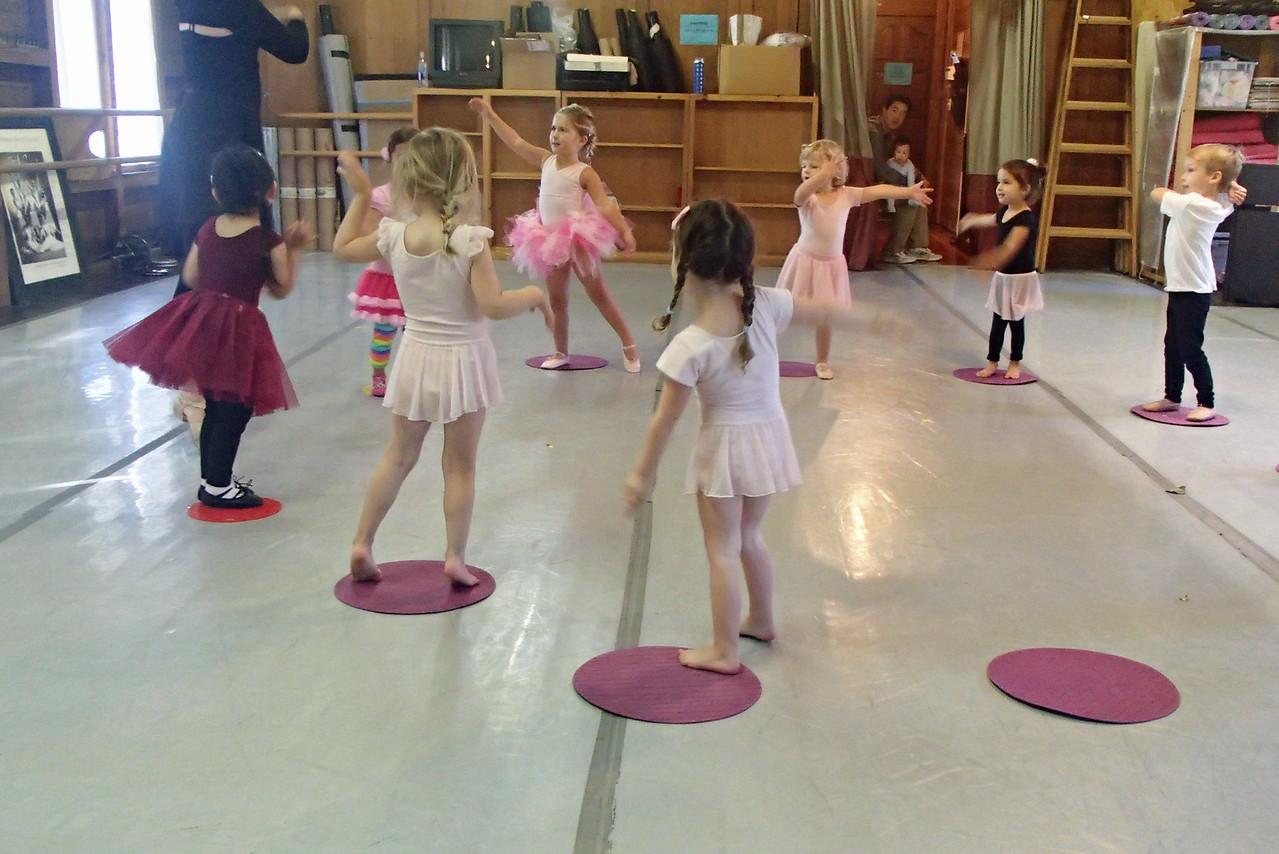653 Ballet class