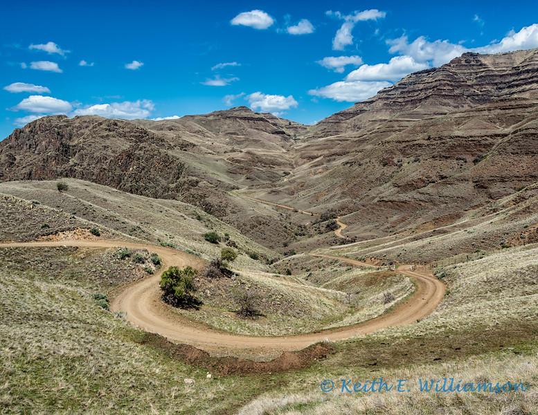 Heading back up the ridge, towards Hell's Canyon