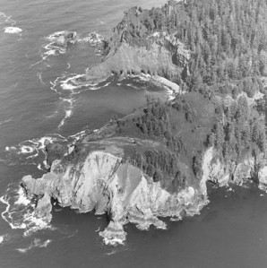 Original plans for Os West included a spur road from the coast highway to the end of Cape Falcon. The road never got built. The CCC built a hiking trail in 1940.