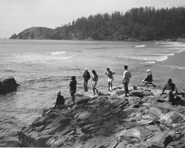 For many years, fishing off the rocks attracted crowds during favorable tides.