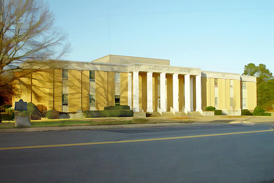 Marengo County Courthouse before renovation, Linden, Alabama