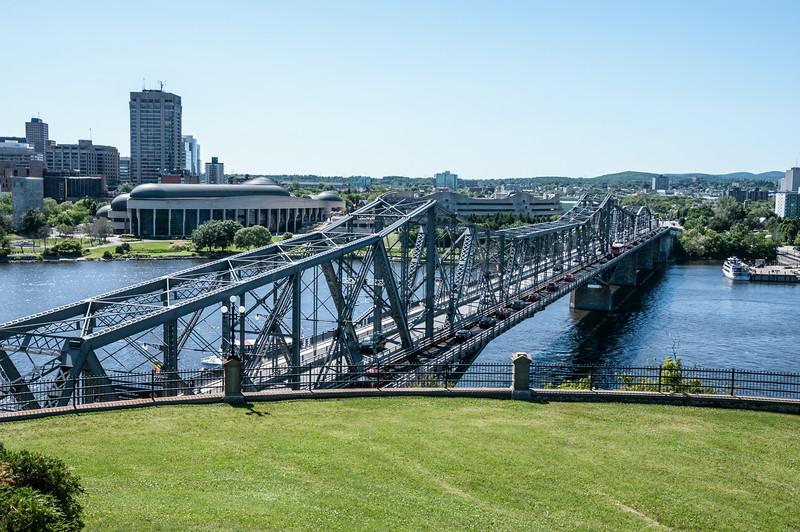 Pont Alexandra Bridge and the Canadian War Museum