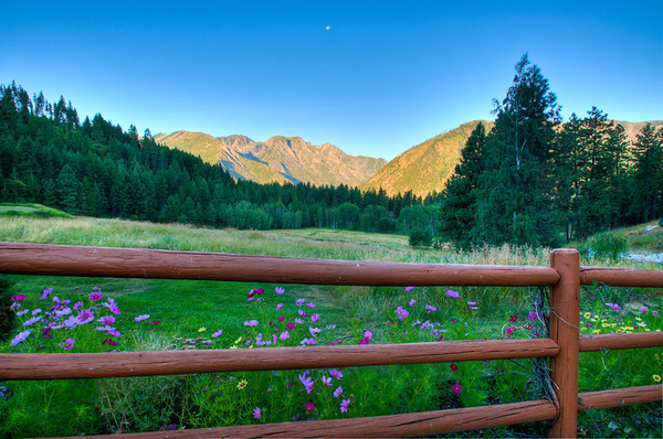 Front view from Mountain Home Inn, Leavenworth, Washington, a great bed and breakfast.