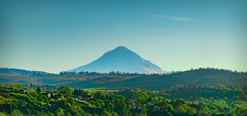 Mt. Hood, en route toward Portland