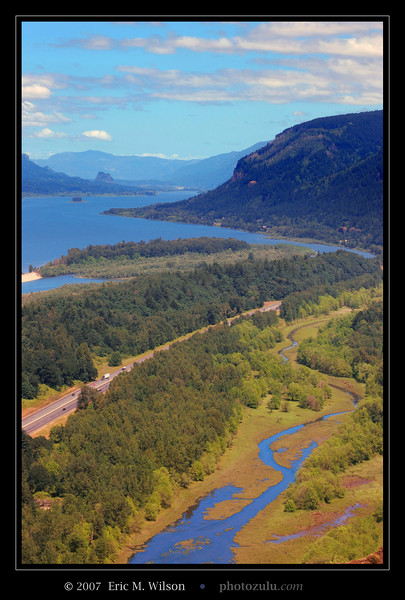 Columbia River Gorge from the Vista House lookout point.