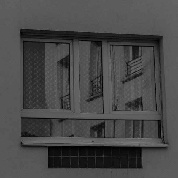 Window reflection, Paris 11eme