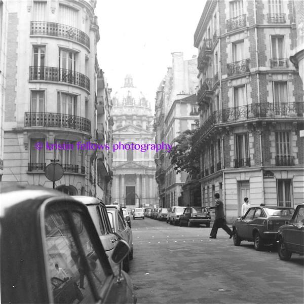 Paris, 1975