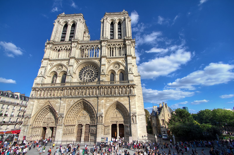 <H3>The Majestic Notre Dame</H3>
