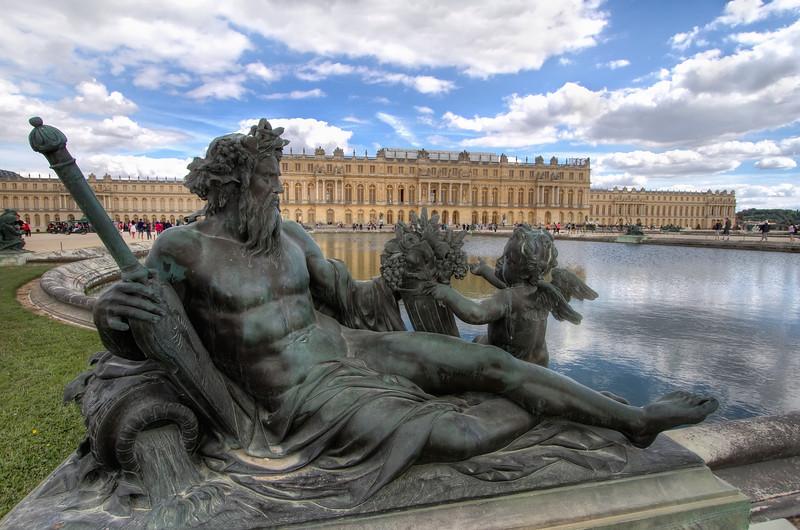<H3>Versailles</H3>