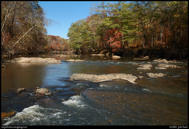 (16Nov10)<br /> <br /> sweetwater creek.<br /> <br /> f/11, 1/200s, iso 200.